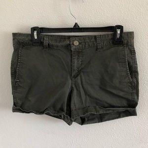 Gap green khaki shorts
